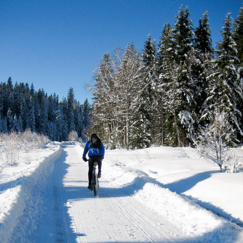 Zimní cyklistika u Roklanského potoka