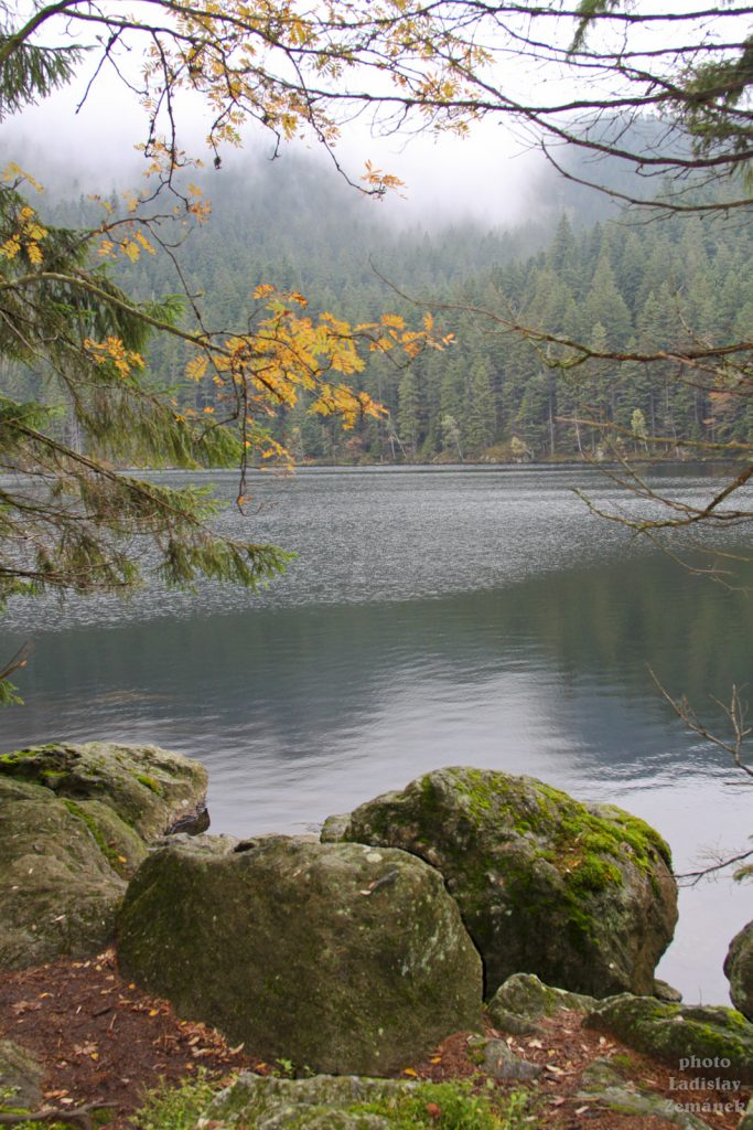 Podzimní Čertovo jezero
