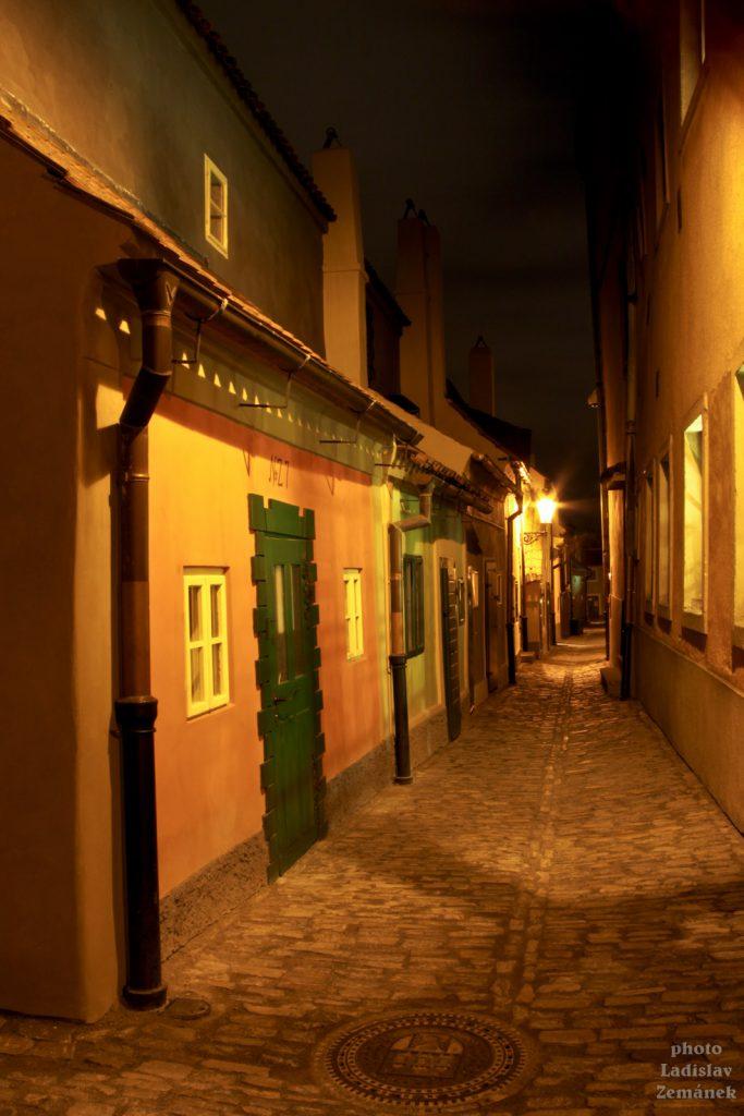 Zlatá ulička - večer