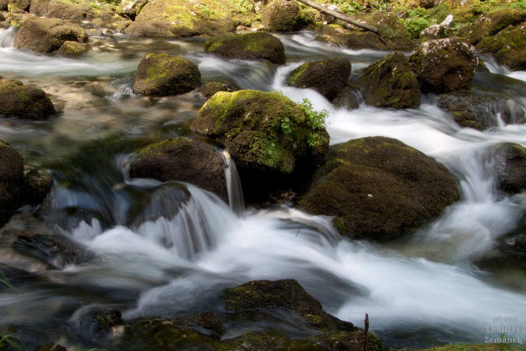 potok pod vodopádem Gollinger Wasserfall