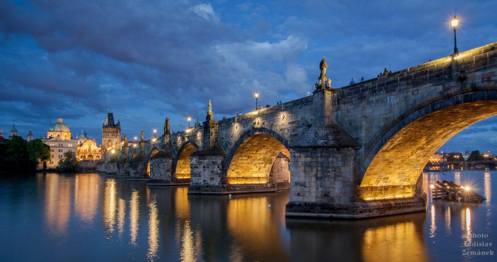 Večerní Karlův most
