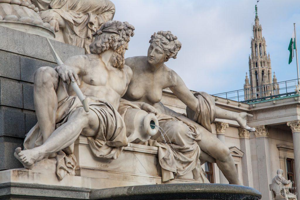 Vídeňský parlament - detail fontány