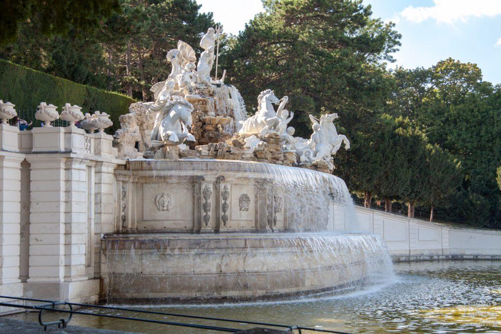 Zámecký park Schönbrunn - Neptunova fontána