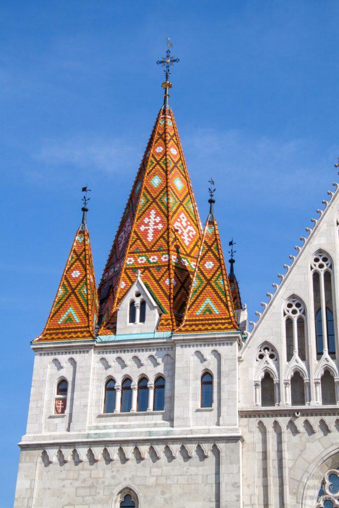 Budapešť - Matyášův chrám - detail střechy