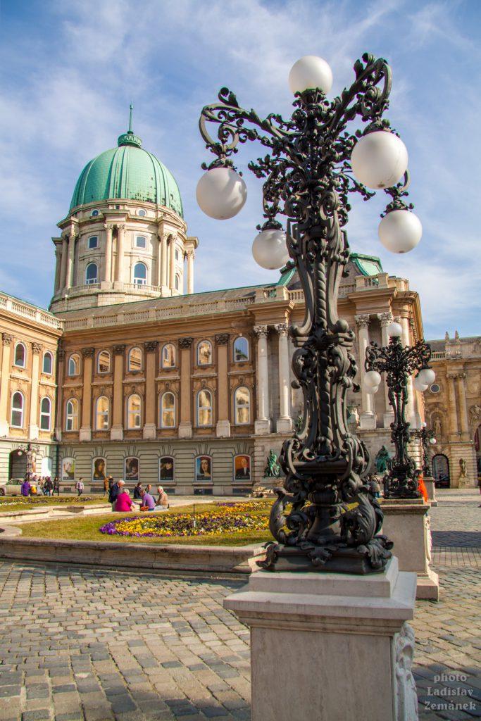 Královský hrad - nádvoří - Budapešť