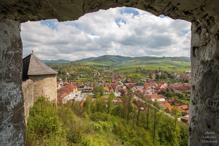 Hrad Brumov - výhled z okna