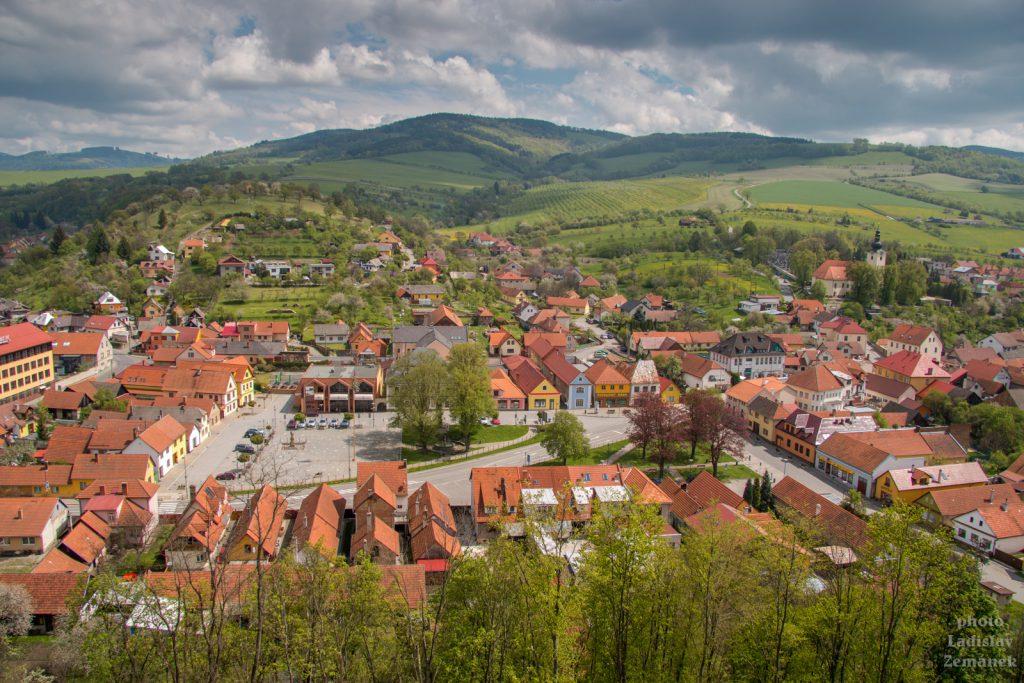 Výhled z hradu Brumov