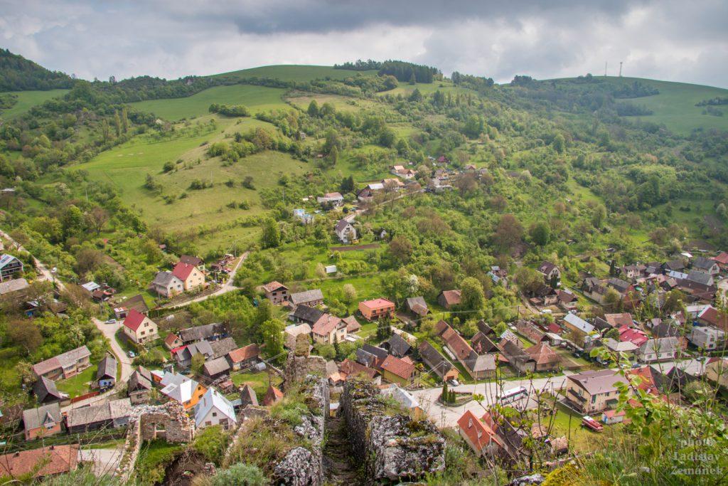 Výhled z hradu Lednica