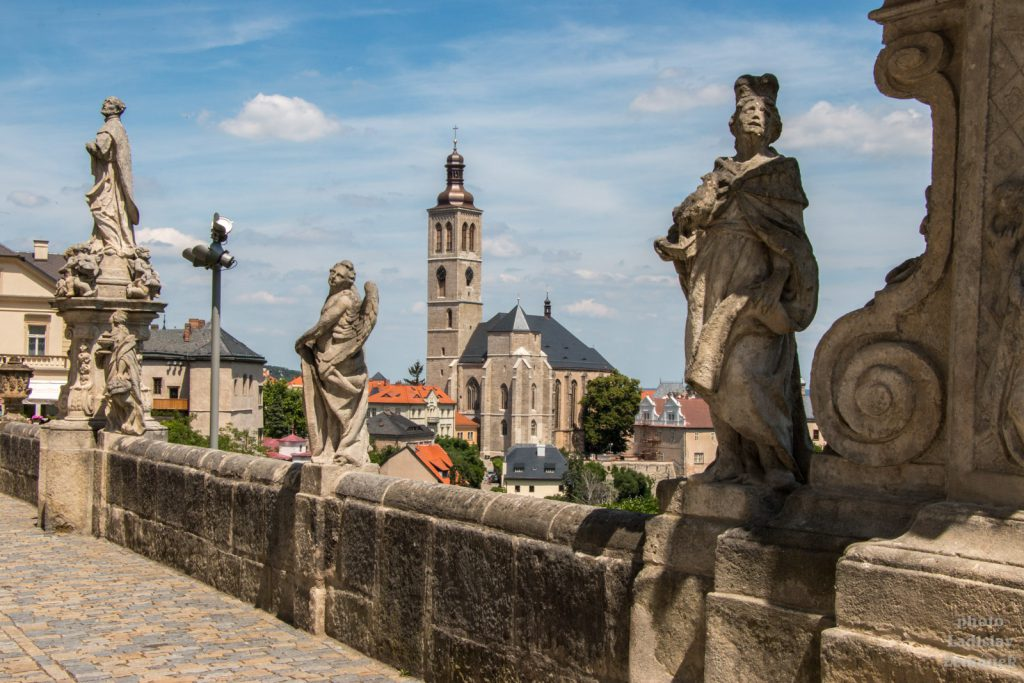 Kutná Hora - terasa před Jezuitskou kolejí