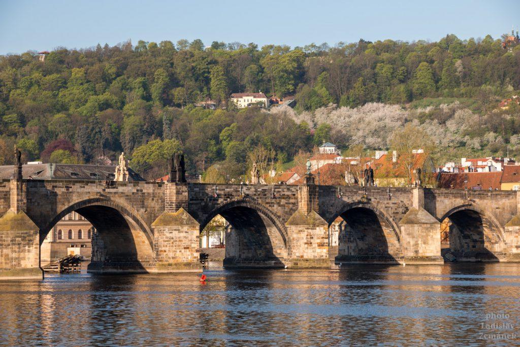 Karlův most a Petřín
