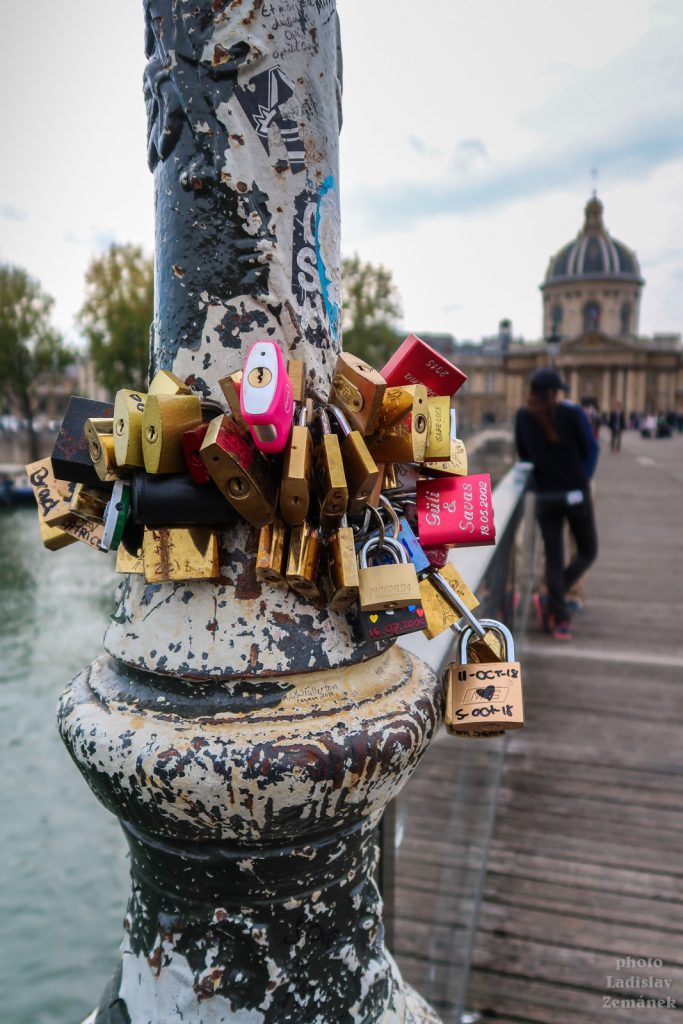 Pont des Arts - Most umění a zámky lásky
