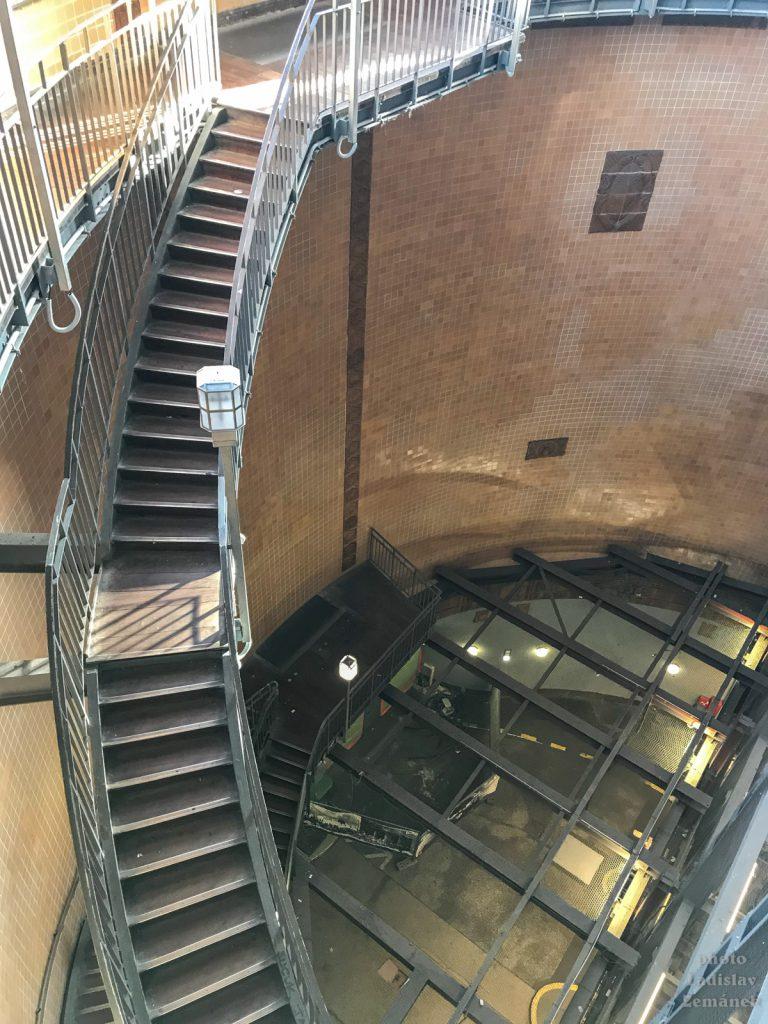 Starý labský tunel - schodiště