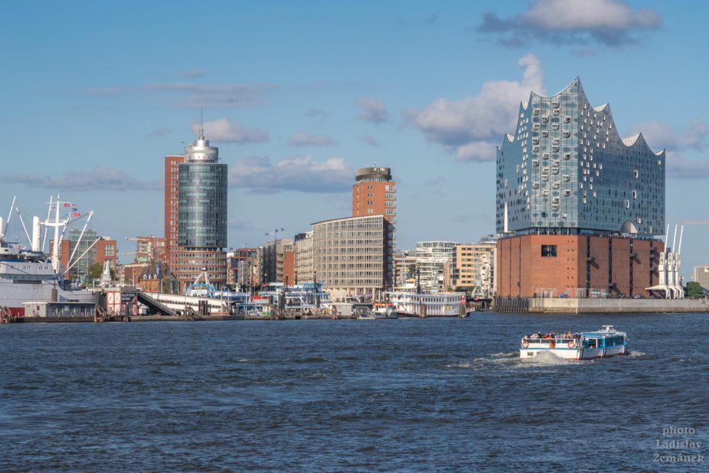 Hamburk - Labe a Labská filharmonie od přístavu