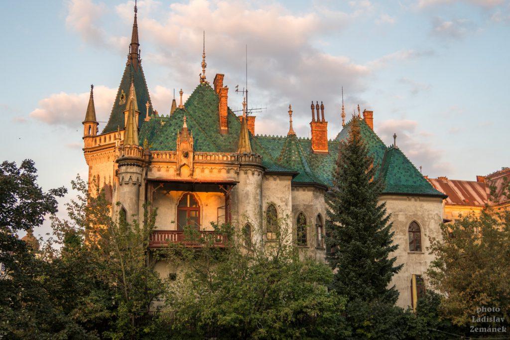 Jakabův palác