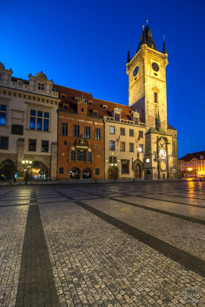Staroměstské náměstí bez lidí