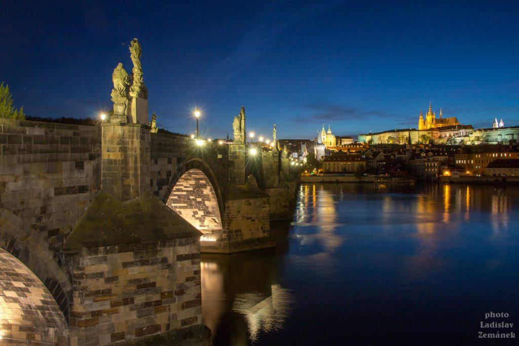 Karlův most bez lidí