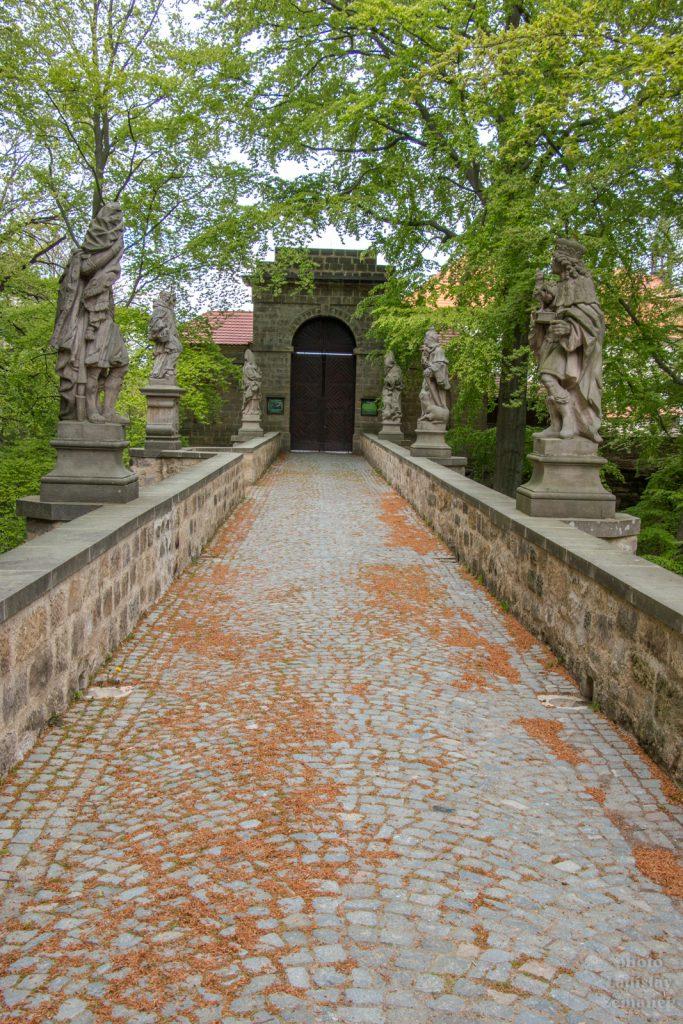 Hruhoskalsko - hrad Valdštejn - kamenný most