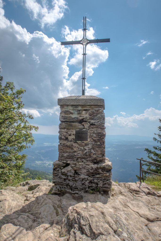 Bavorský les - Falkenstein - vrcholový kříž