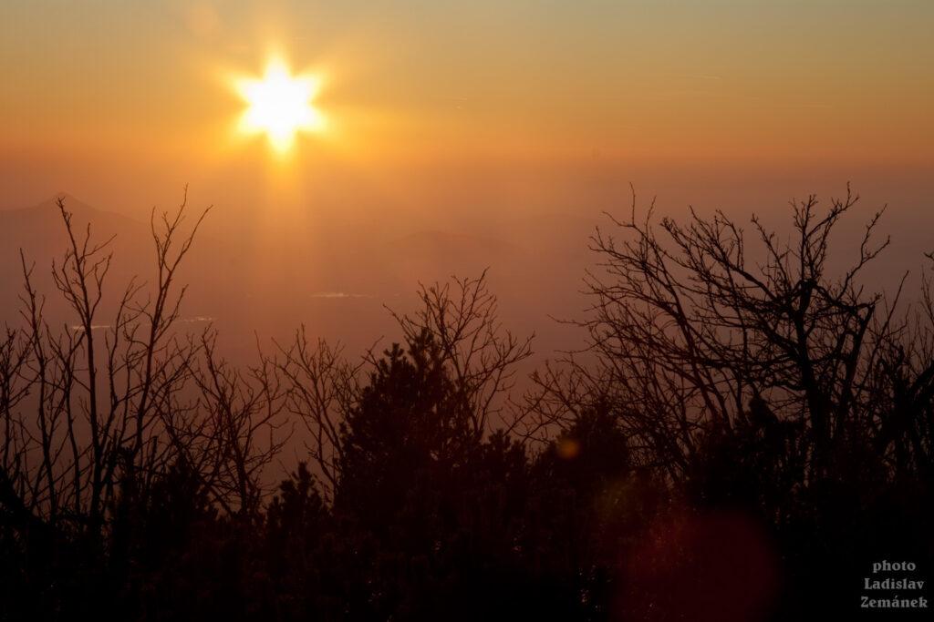 Západ Slunce z Ještědu