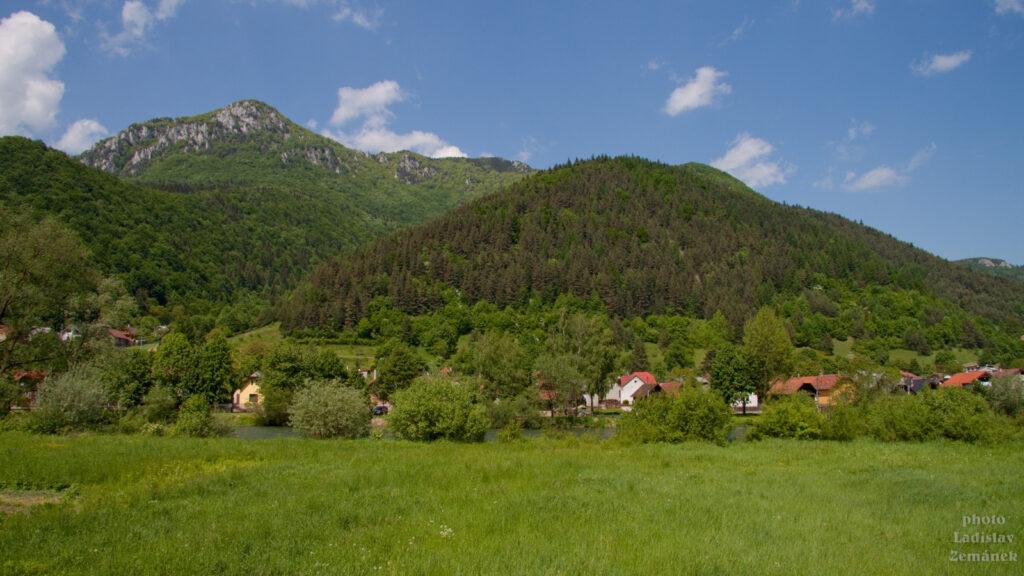 Výhled na Šíp ze Stankovan