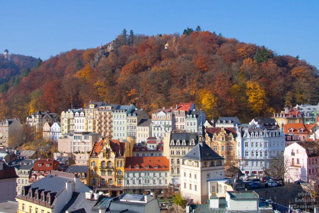 Karlovy Vary - výhled na centrum