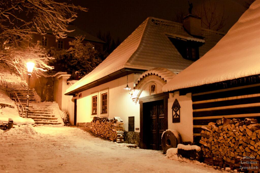 Zimní večer - zasněžený Nový Svět