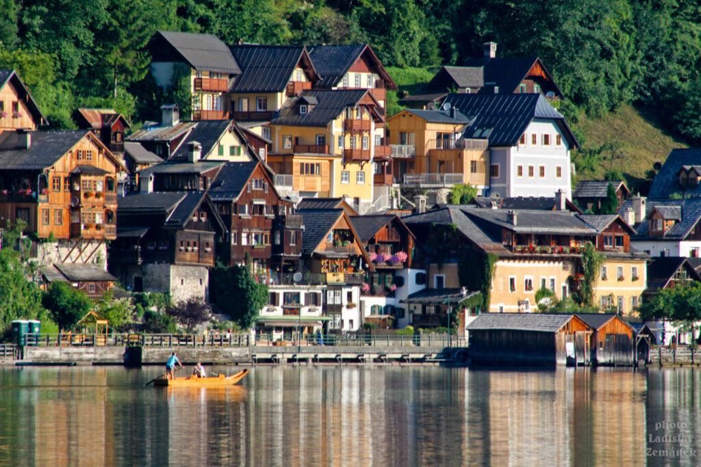 Hallstatt - pohled z jezera