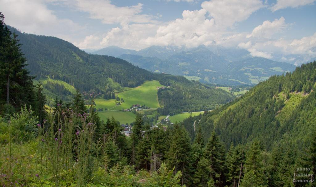 Výšlap na Bischlinghöhe - výhled na Werfenweng