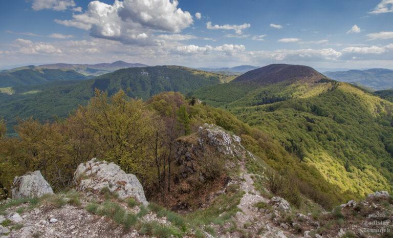 Strážovské vrchy - vyhlídka z vrchu Vápeč