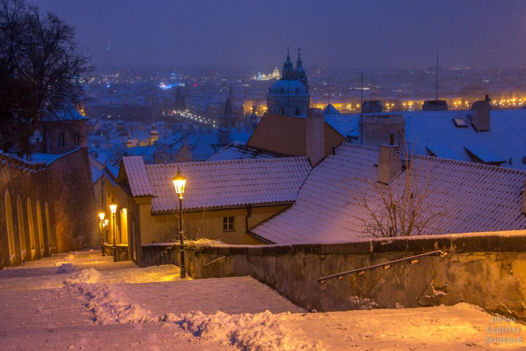 Praha - Zámecké schody pod sněhem