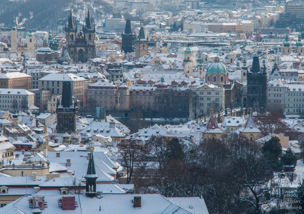 Velká strahovská zahrada - výhled - Malá Strana a Staré Město