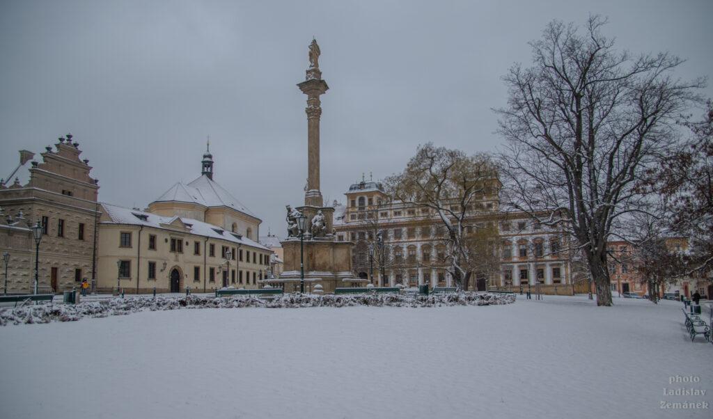 Zasněžené Hradčanské náměstí
