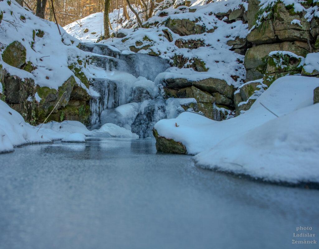 Hostěradické vodopády zamrzly