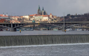první jarní den v Praze - Pražský hrad a Vltava ze Štvanice