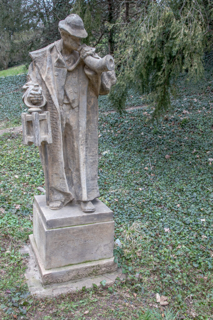 Horní Jelení příkop - socha ponocného