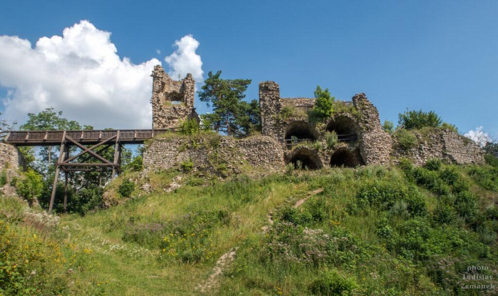 Hrad Zubštejn - zřícenina hradu