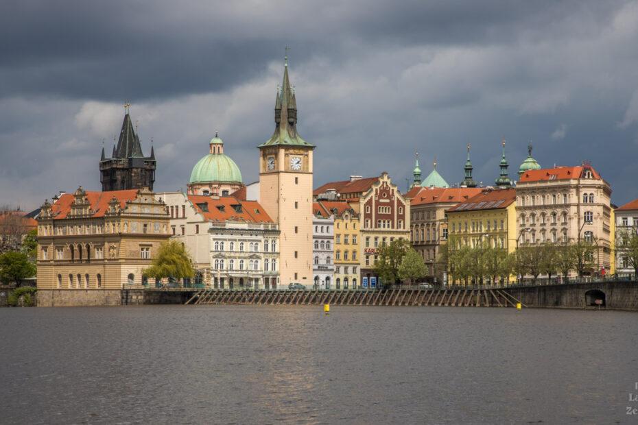 Praha po dešti - Novotného lávka a Vltava ze Střeleckého ostrova