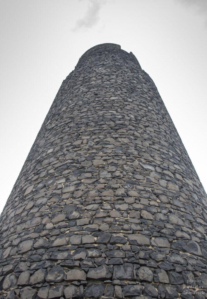 hrad hazmburk - černá věž