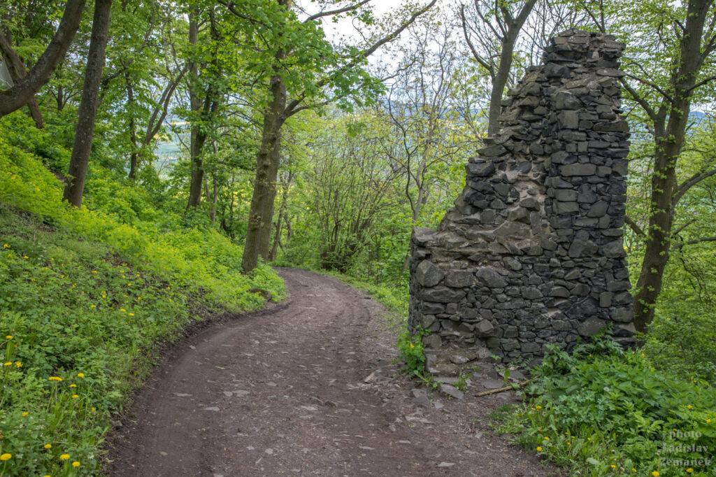 hrad hazmburk - cesta