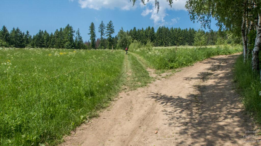 Cesta na Kopaninu