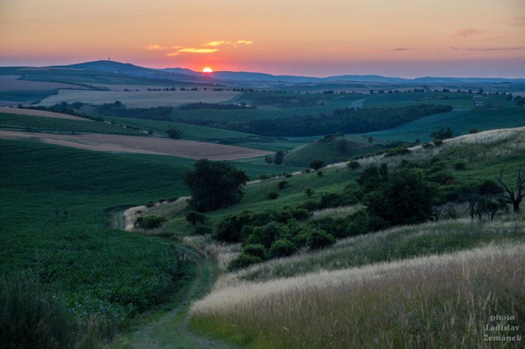 Moravské Toskánsko - Hovoranské louky při východu slunce