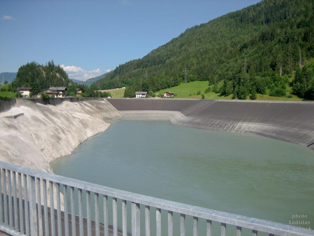 Tauernská cyklostezka kolem přečerpávací elektrárny