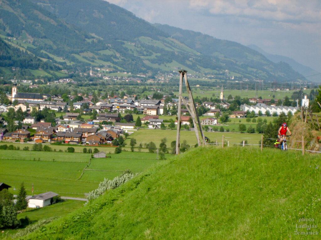 Tauernská cyklostezka - stoupání k ubytování - Mittersill