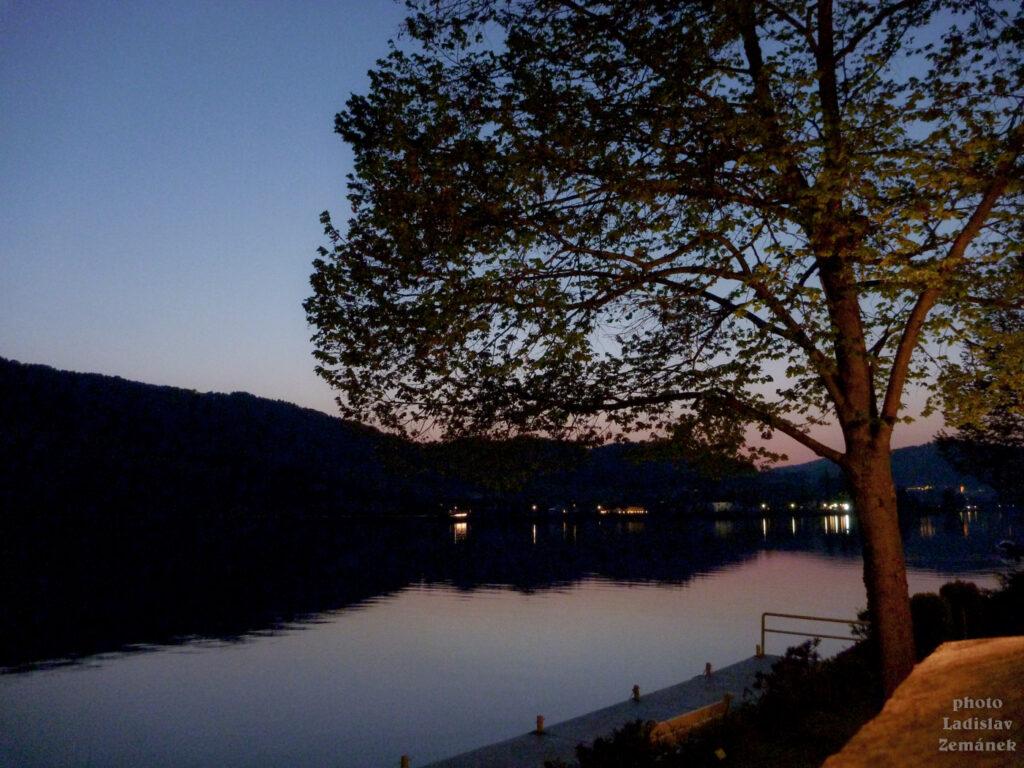 večer - Dunaj u kempu
