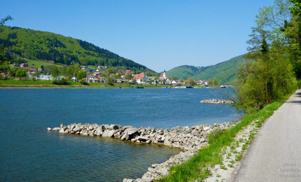 Dunaj u cyklostezky