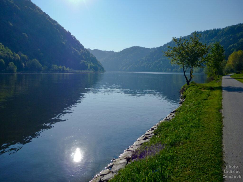 ráno u Podunajské cyklostezky