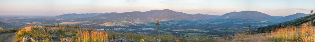 Večerní výhled z Ondřejníku - panorama