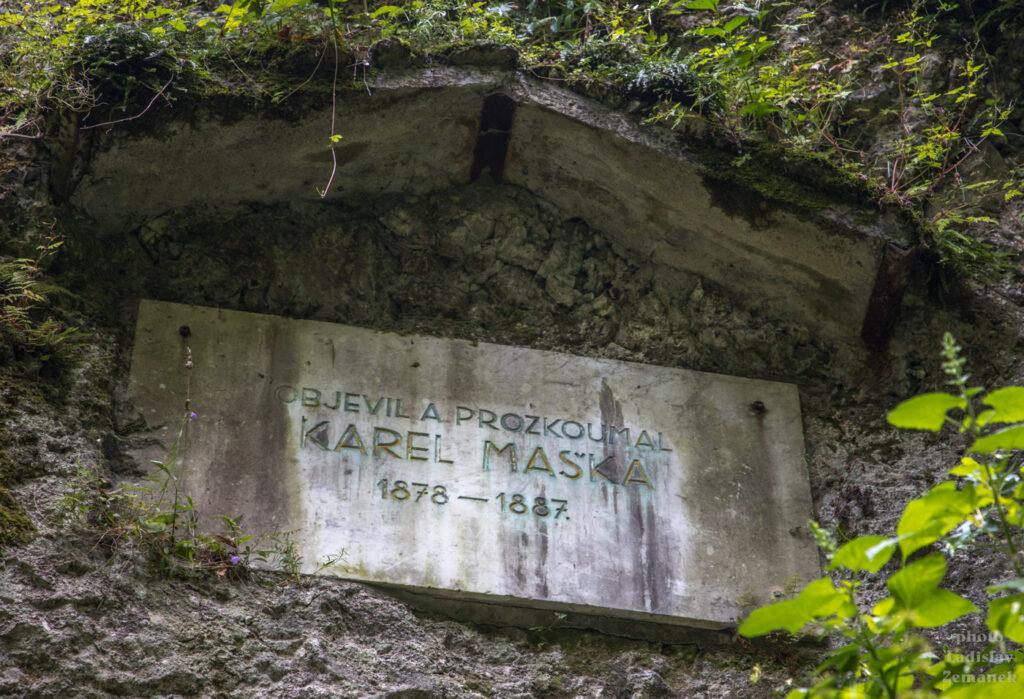 jeskyně Šipka - vzpomínka na objevitele