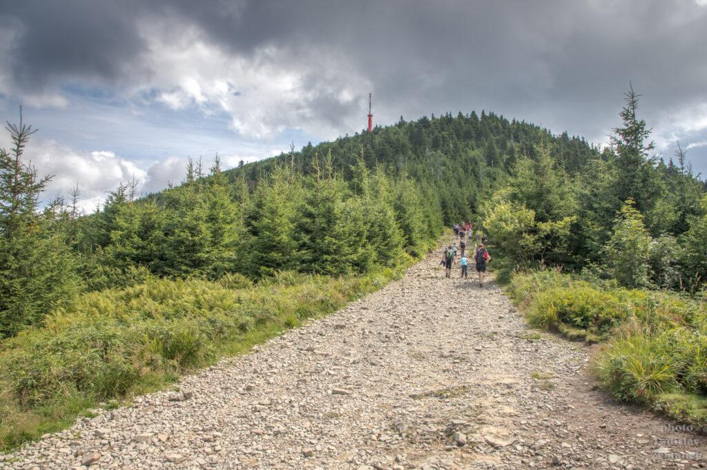 hlavní turistická trasa na Lysou horu