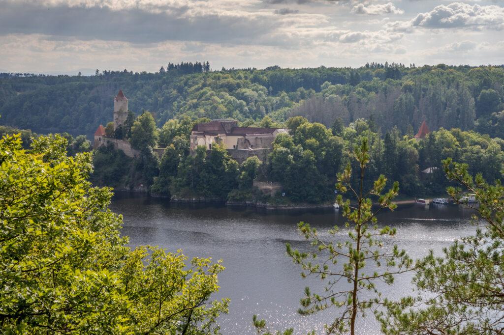 Varta - vyhlídka na Orlickou přehradu a Zvíkov